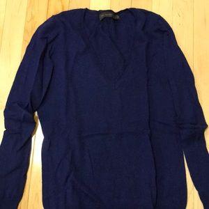 Navy blue v neck sweater. Great condition medium
